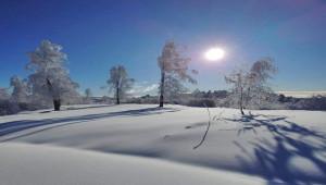 Yüksek kesimlere yağan kar kartpostallık görüntüler oluştu
