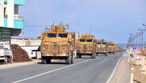 100 araçlık askeri konvoy Urfa'ya geçti
