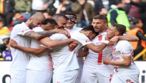 Antalyaspor'dan ikinci yarıda büyük çıkış
