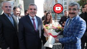 Bağlı, Büyükşehir Belediyesini ziyaret etti