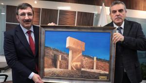 Cevdet Yılmaz, Büyükşehir Belediyesini ziyaret etti