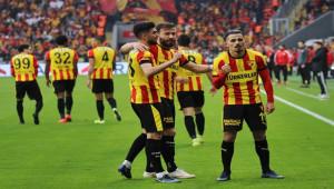 Göztepe'yi kanat oyuncuları uçuruyor