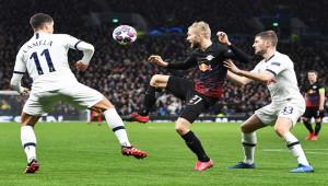 Leipzig, İngiltere'de Tottenham'ı devirdi
