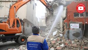 Metruk yapıların yıkımı sürüyor