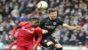 Salzburg - Frankfurt maçına fırtına engeli