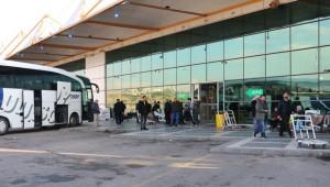 Şanlıurfa'da mülteciler terminallere akın etti
