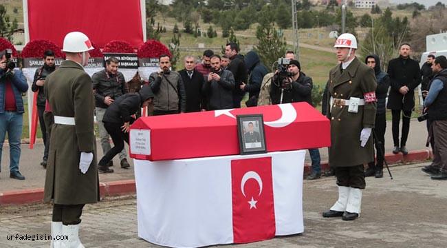 Şehit olan asker, Urfa'dan uğurlandı!