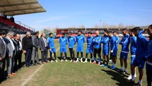 Yönetimden futbolculara moral ziyareti
