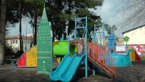 Ceylanpınar'da ticarethaneler ve parklar kapatıldı
