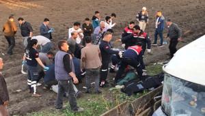 İşçi servisi şarampole devrildi; 3 ölü, 14 yaralı