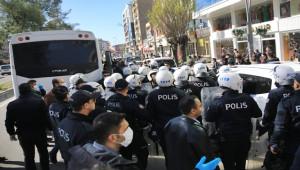Kayyum atamasını protesto eden 16 kişi gözaltına alındı