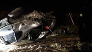 Otomobil şarampole devrildi; 1 ölü, 2 yaralı