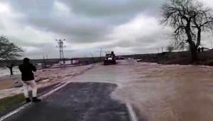 Siverek'te aşırı yağış sele dönüştü