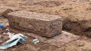 Sosyal medyada Lahit mezarı satmaya çalışan şahıs yakalandı