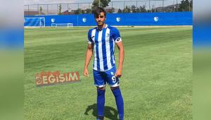 Urfalı genç Karaköprü Belediyespor'a transfer oldu