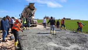 Viranşehir kırsalında beton yol yapımı