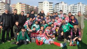 Viranşehir Sanayispor şampiyonluk kupasını kaldırdı