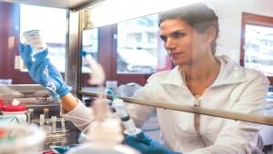 Almanya korona virüs aşısını insanlarda test edecek