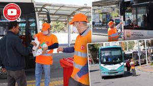 Otobüslerde dağıtılmak üzere maske verildi