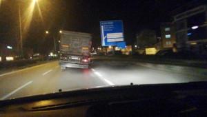 Patlayan tekerle tehlikeli yolculuk