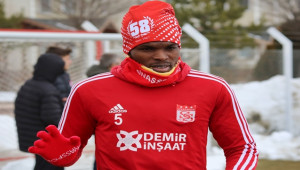 Sivasspor'un en hırçın ismi Isaac Cofie