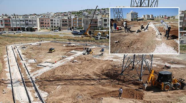 Ahmet Yesevi'de park çalışması sürüyor