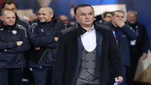 Fenerbahçe'de yeni hoca arayışı sürüyor