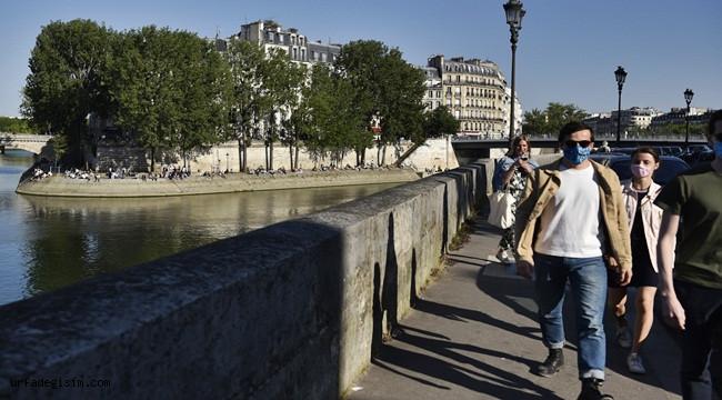 Fransa'da son 24 saatte virüsten 483 ölüm