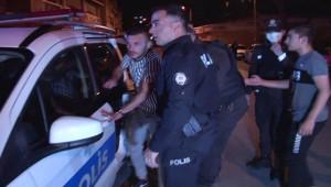 """Kadıköy'de """"kız meselesi"""" kanlı bitti; 4 yaralı"""