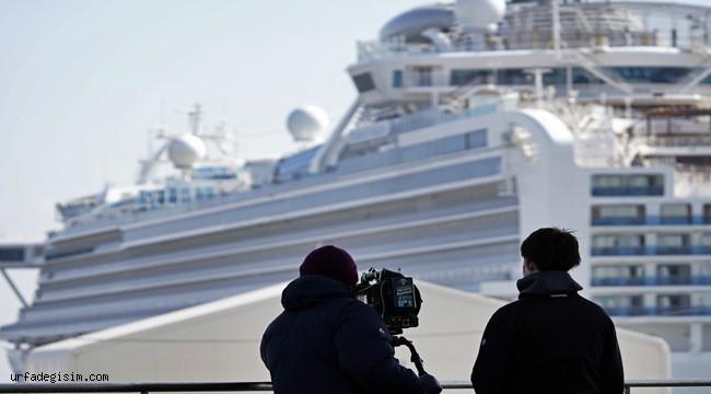 Karantina gemisi Japonya'dan ayrıldı