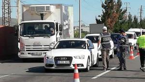 Kent girişinde araç yoğunluğu yaşanıyor