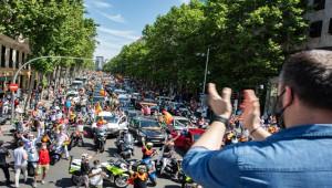 """Korona kısıtlamalarına """"araçlı"""" protesto"""
