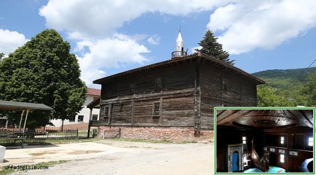 Çivi çakılmadan yapılan tarihi cami