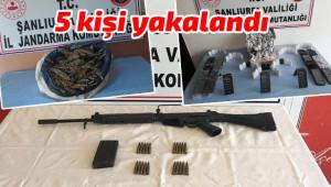 Kaçak silah, kaçak telefon ve esrar ele geçirildi