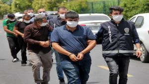 Mahallede pompalı tüfekle 9 kişiyi yaralayan 3 zanlı tutuklandı
