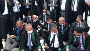 Urfa Baro Başkanı oturma eyleminde