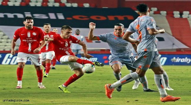 Antalyaspor: 0 - Medipol Başakşehir: 2