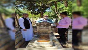 Sanatçı Uyanık mezarı başında anıldı