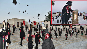 Tıp Fakültesi'nde sosyal mesafeli mezuniyet töreni