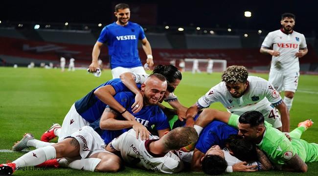 Trabzonspor 2 - 0 Alanyaspor