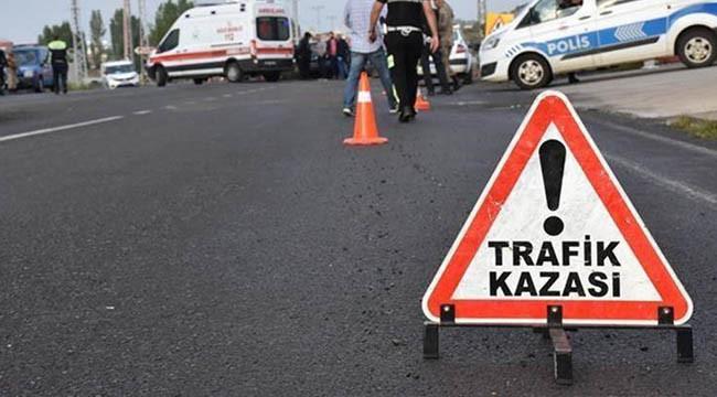 Devrilen araçta 3 kişi yaralandı