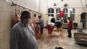 İhtiyaç sahiplerine 600 kurbanlık dağıttılar
