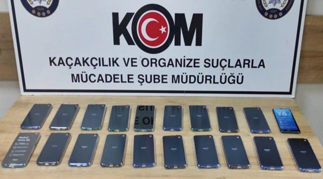 Kaçak 20 cep telefonu ele geçirildi