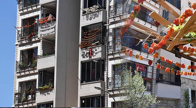 Kurutmalıklar binaları renklendiriyor