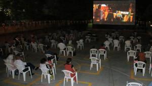 Urfa'da açık hava sineması