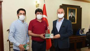 Valiliğe 25 bin maske bağışladılar