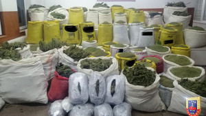 1 ton 720 kilo uyuşturucu ele geçirildi