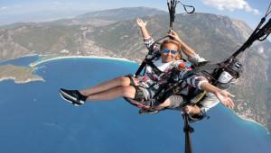 Başkan Rothery, yamaç paraşütü ile uçtu