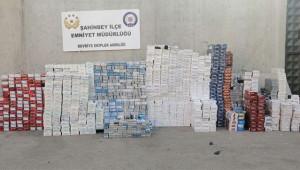 Binlerce kaçak paket sigara ele geçirildi