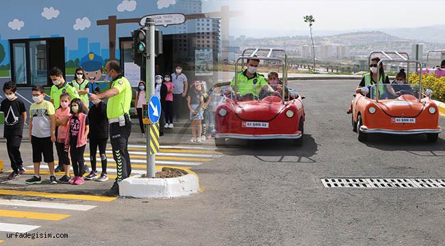 Çocuklara uygulamalı trafik eğitimi verildi